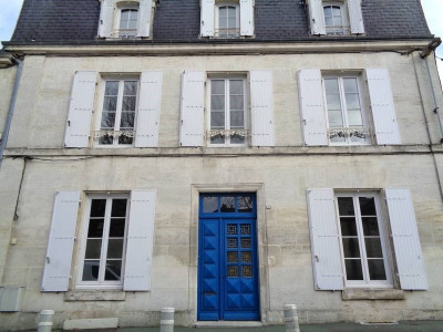 House / villa 7 rooms Centre Ville de Cognac