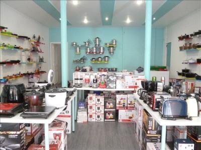 Boutique + bureau