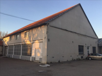 Location local commercial Jouy sur Morin