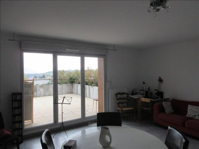Appartement récent 64m²
