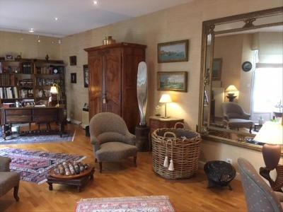 Casa contemporânea 11 quartos