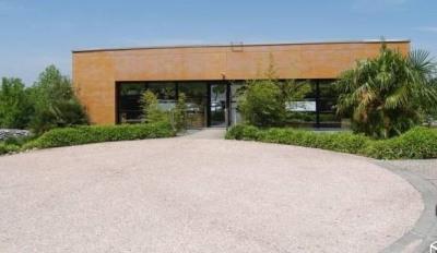 Location Local d'activités / Entrepôt Montrabé