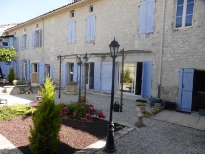 Maison de maître Montaigu de Quercy