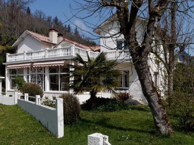 Très belle demeure F8 avec parc