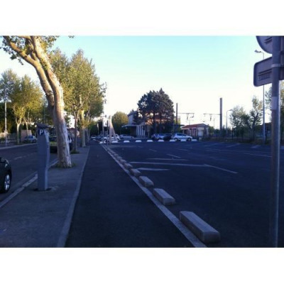Location Local commercial Salon-de-Provence 0
