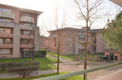 T2 Pts-Jumeaux récent balcon beaux volumes parking calme