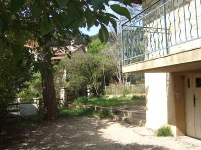 Villeneuve les Avignon - T5 avec jardin, balcon et cave