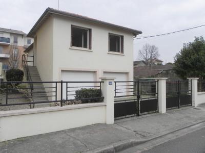 Agen - maison de 4 pp avec garages et jardin clos