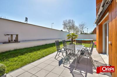 Maison Vaulx En Velin 4 pièce (s) 92.5 m²