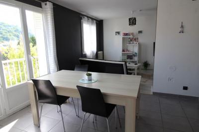 Appartement Bourgoin Jallieu - 3 pièce (s) -