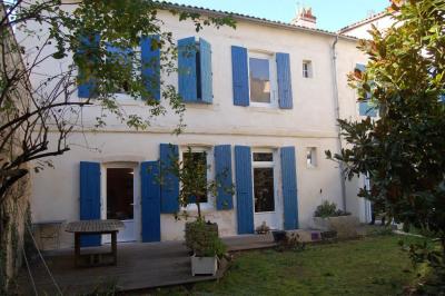 A vendre maison la rochelle centre ville 296 m²