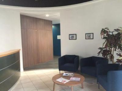 location bureau aix en provence bouches du rh ne 13 90. Black Bedroom Furniture Sets. Home Design Ideas