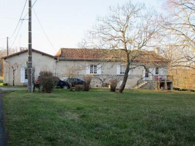 Maison BUSSAC - 4 pièce (s)