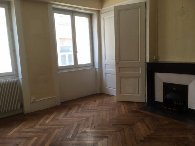 Appartement F3 hyper centre