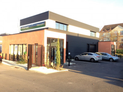 Local commercial 335 m²