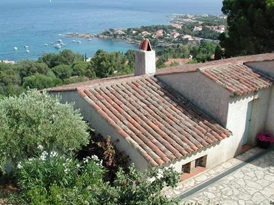 Vacation rental house / villa Les issambres 1 910€ - Picture 3