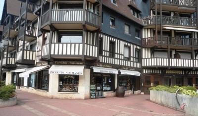 Deauville marché fonds de commerce 55 m²