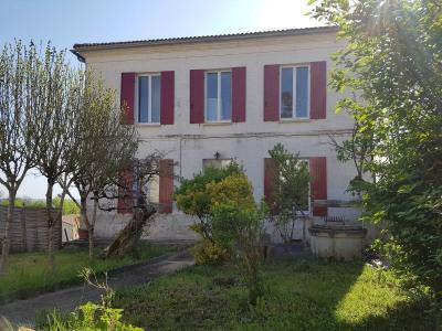 Belle maison de village à 35 minutes de Bordeaux