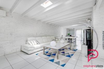 Maison Saint Priest 7 pièce (s) 208 m²