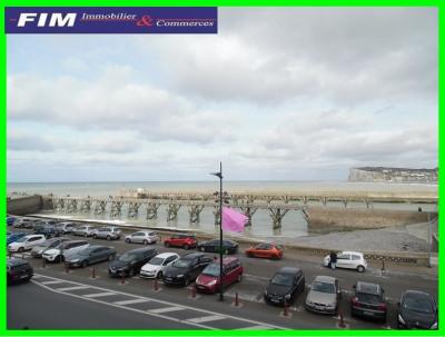 Appartement T2 avec balcon vue mer et port