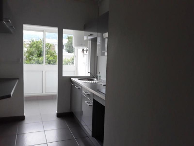 F4 st denis - 4 pièce (s) - 73 m²