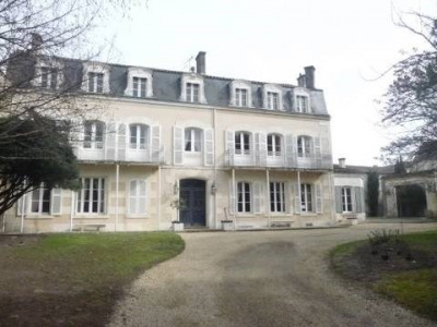 Maison 11 pièce (s) Centre Ville de Cognac