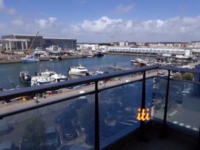 Les Sables centre port de pêche