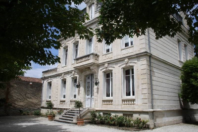 Mansão 12 quartos Centre Ville de Cognac
