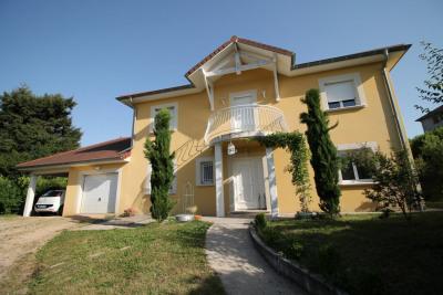 A visiter rapidement, très belle maison de 174m², 7 pièces