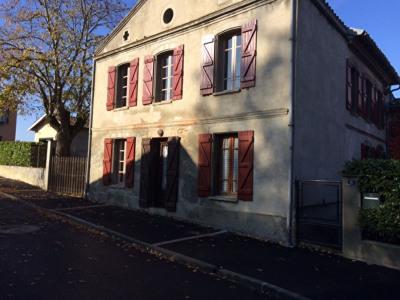 Maison de village atypique à Montberon