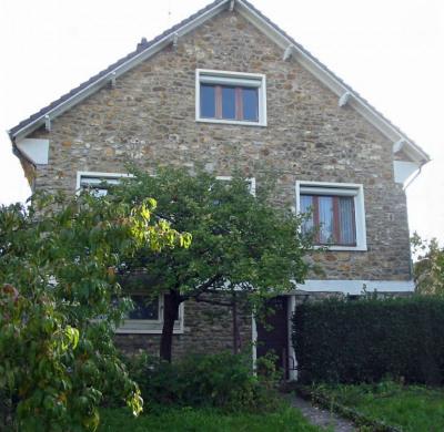 Maison en pierre de meulière