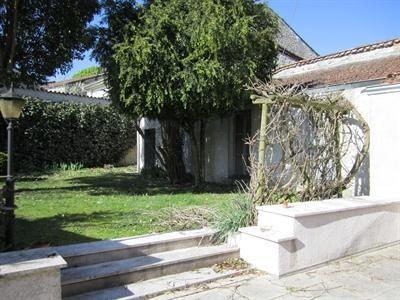 Sale house / villa Barbezieux saint hilaire 197000€ - Picture 2