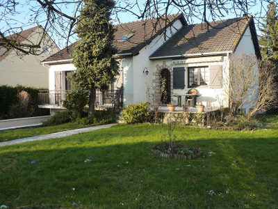 Maison Ballainvilliers 8 pièce (s) 136.55 m²
