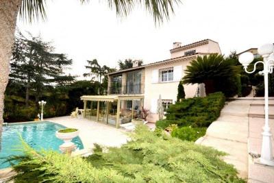 Vente Maison / Villa 5 pièces Antibes-(184 m2)-690 000 ?