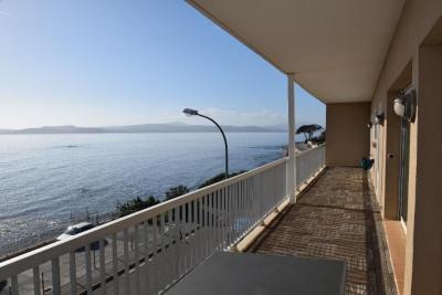 Vue mer panoramique. Proche centre-ville