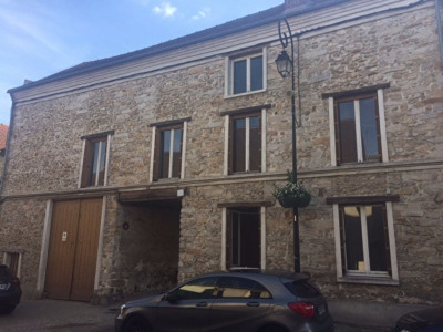 Grange à La Ville Du Bois centre à restaurer