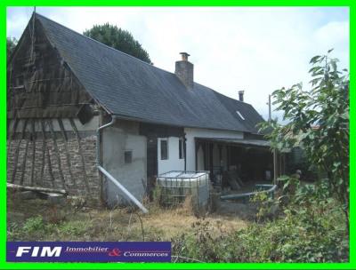Maison à restaurer 2 chambres terrain terrasse couverte cave