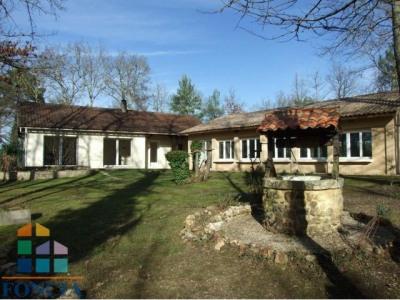 Maison traditionnelle avec piscine 11x5 couverte sur 2300 m²