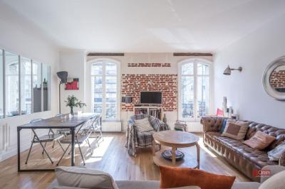 Boulogne - PORTE DE ST CLOUD, nous vous proposons à la vente un bel appartement familiale qui va vous séd ...