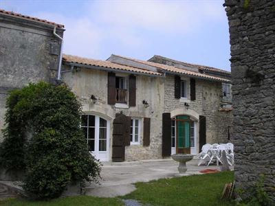 Sale house / villa Loulay 143700€ - Picture 6