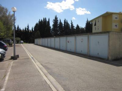 Garage proche hôpital - Résidence sécurisée
