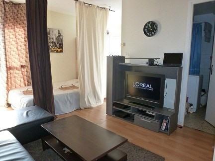 Rental apartment Maurepas 572€ CC - Picture 1