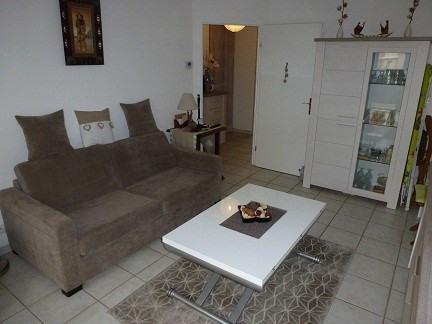 Rental apartment Elancourt 834€ CC - Picture 2