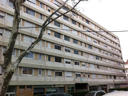 Location appartement Villeurbanne 453€ CC - Photo 1
