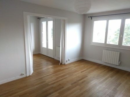 Rental apartment Oullins 634€ CC - Picture 1