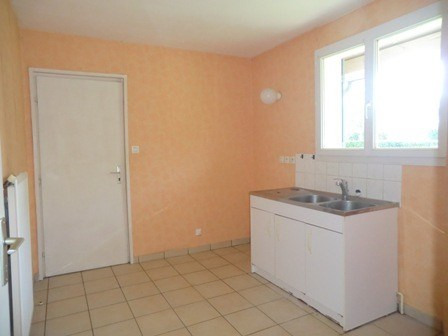 Rental apartment Chatenoy le royal 850€ CC - Picture 2
