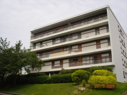 Rental apartment Athis mons 928€ CC - Picture 1