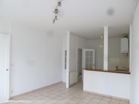 Rental apartment Oullins 645€ CC - Picture 2