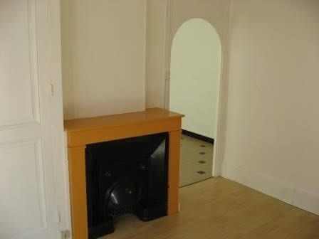 Rental apartment Oullins 517€ CC - Picture 1
