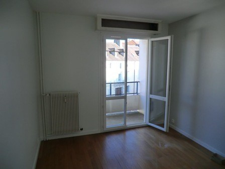Location appartement Chalon sur saone 573€ CC - Photo 1